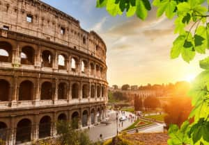 Colosseum_at_sunset_in_Rome__Italy.jpg